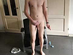 Twink enjoys his dildo
