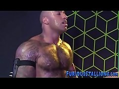 Muscly ebony bear gets plowed and spermed