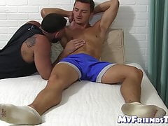 Young athletic jock enjoys feet worship and toe sucking